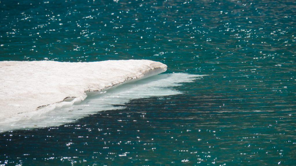 A la surface de l'Iceberg Lake (Glacier NP)
