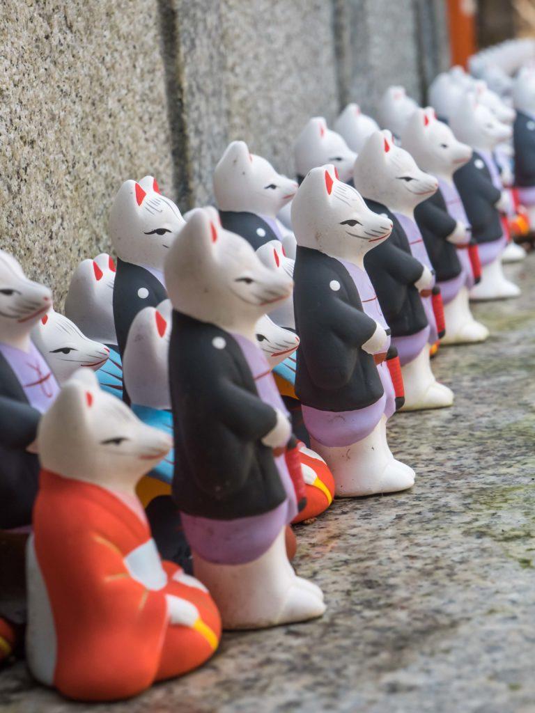 Des grigris renardes à vendre (temple d'Inari près de Kyoto)