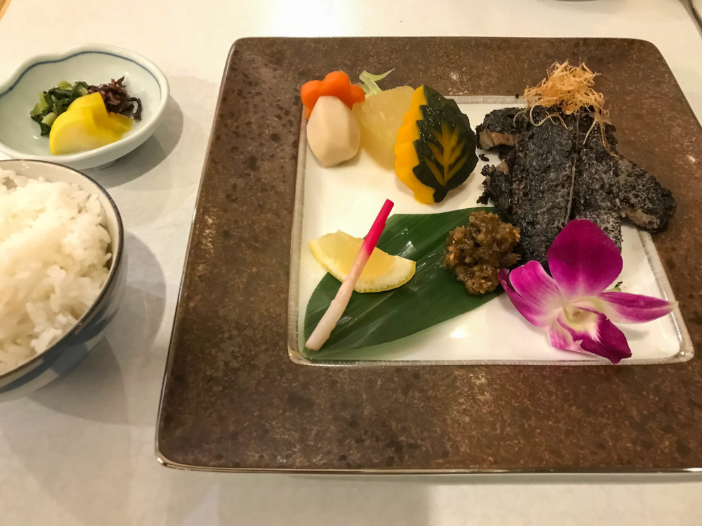 Repas du soir au Seaside Hotel (Ishigaki)