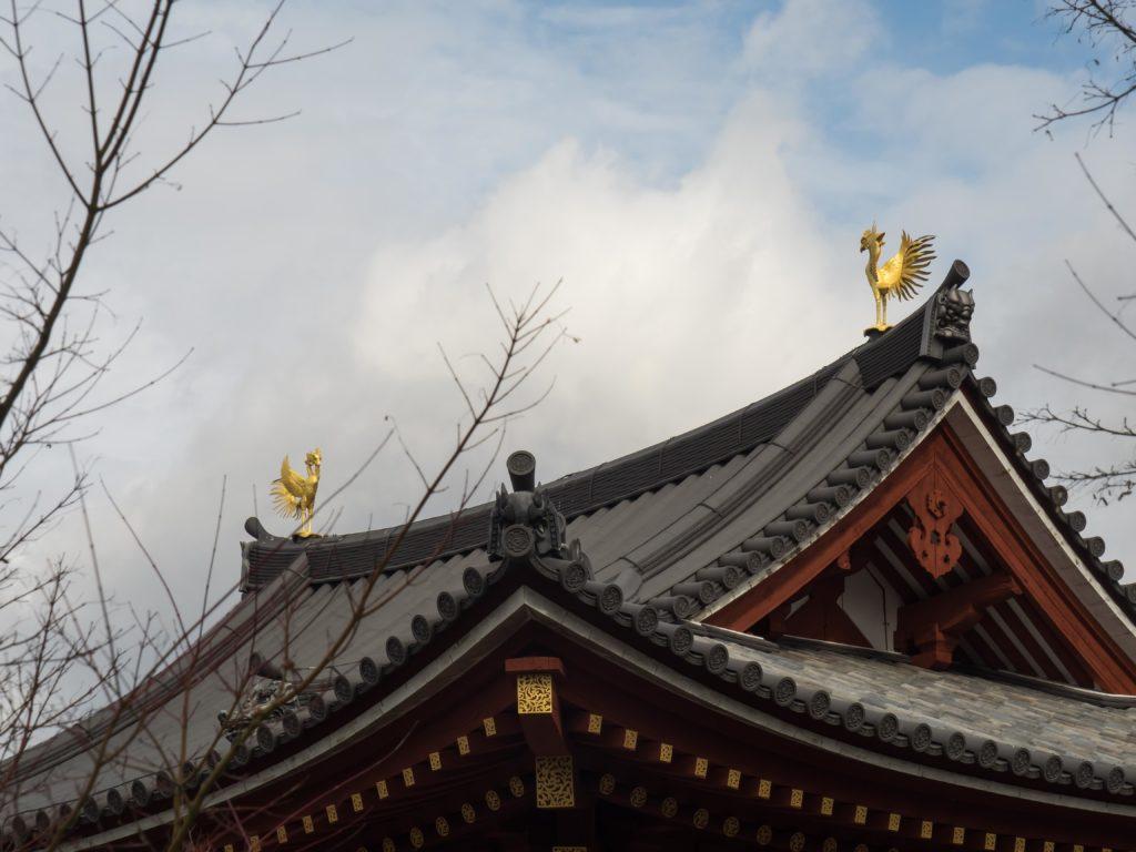 Les phoenix dorés du temple bouddhiste Byodo-in (Uji)