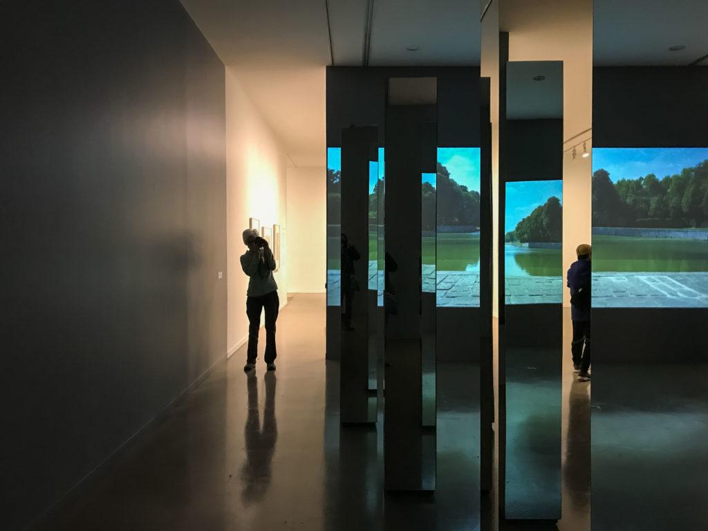Une installation de Vikki Alexander (Art Gallery, Vancouver)