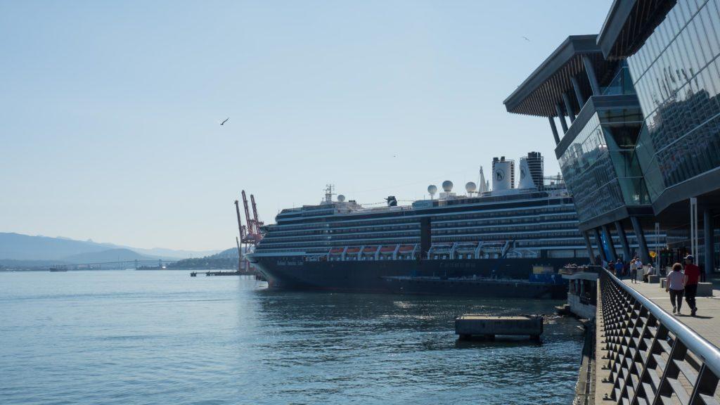 Un immeuble flottant (Canada Place, Vancouver)