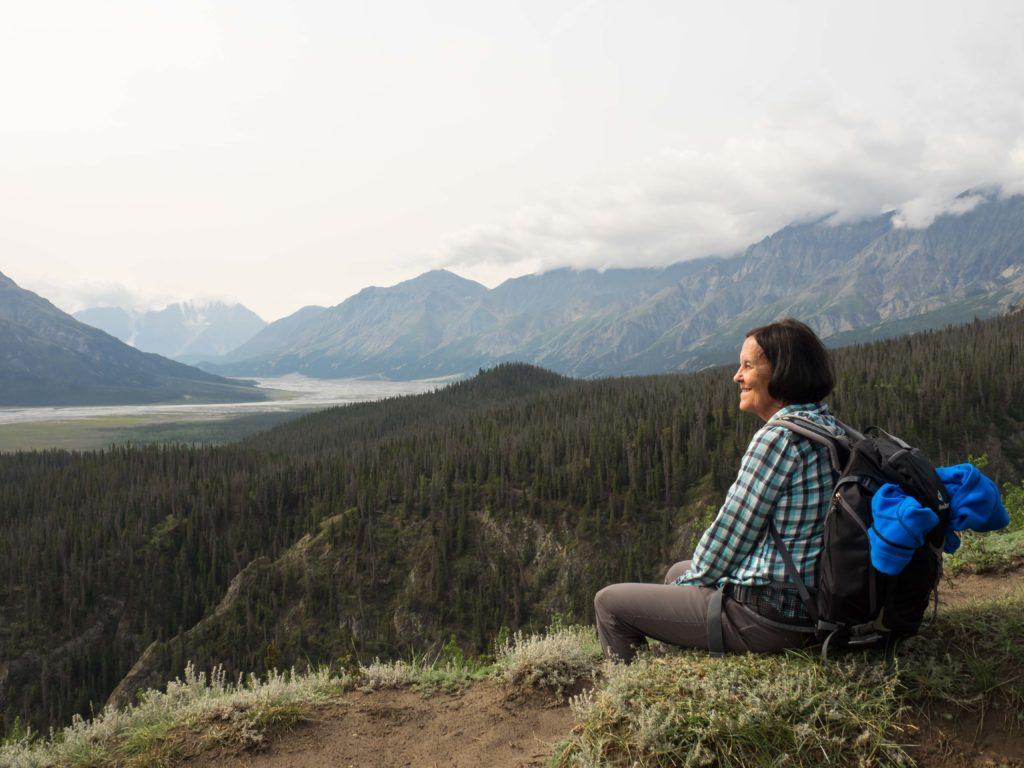Sur le sentier du ruisseau Sheep au dessus de la rivière Slims (Kluane NP, Yukon)