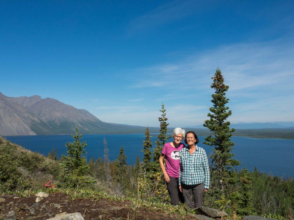 Sur le sentier King's Throne au dessus du lac Kathleen (Kluane NP, Yukon)