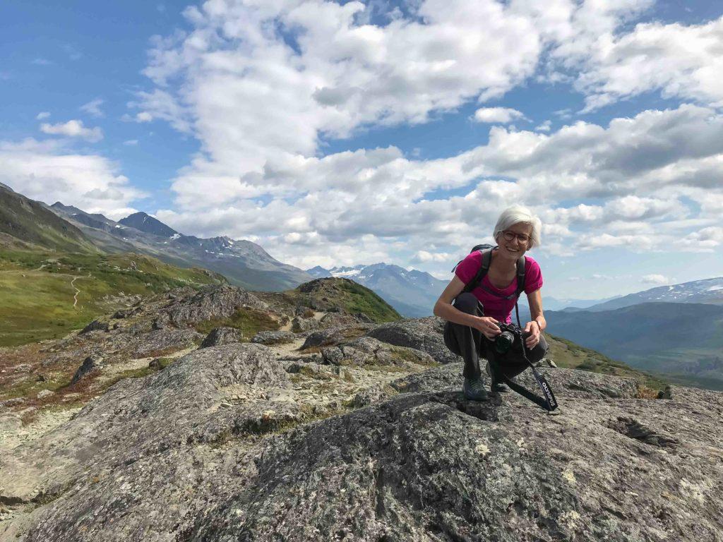 Sur un sentier près du col Thompson (Chugach Mountains, Alaska)