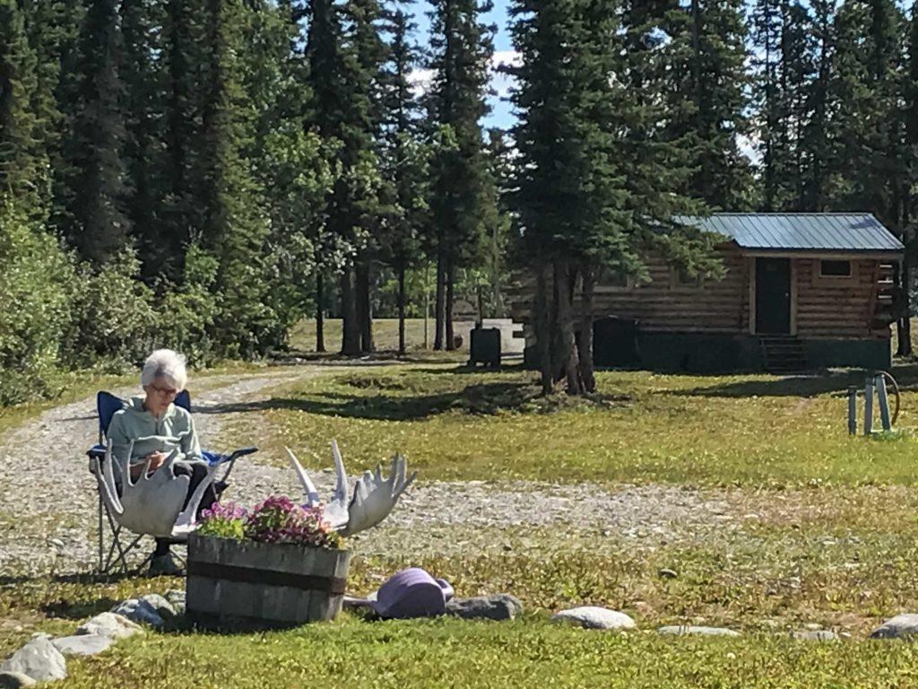 """Notre """"cabin"""" au bord de Pippin Lake (Alaska)"""